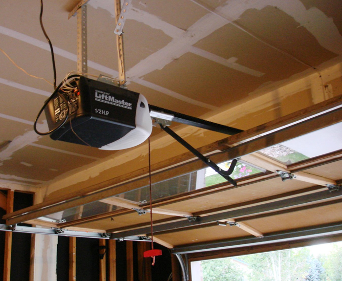 How to Select the Best Garage Door Opener for You